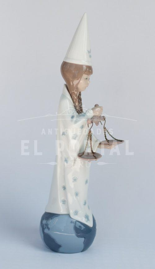 Figura de porcelana Lladró Horóscopo Libra | 4