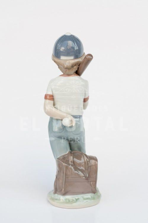 "Figura de porcelana Lladró  ""Dispuesto a jugar"" | 3"