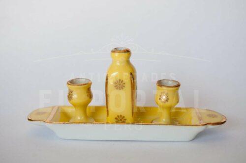 Limoges- Francce Bandeja con dos copas y botella | 1