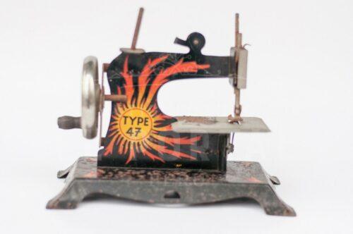 Maquina de coser de juguete TYPE 47 | 2