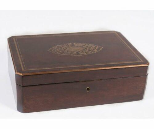 cofre-madera-estilo-napoleon-II-frances-marqueteria-de-bronce