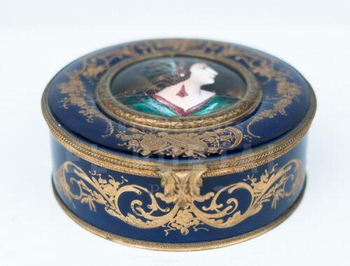 Sevres Cofre joyero de porcelana esmaltada | 2