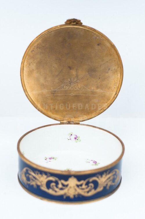 Sevres Cofre joyero de porcelana esmaltada | 5