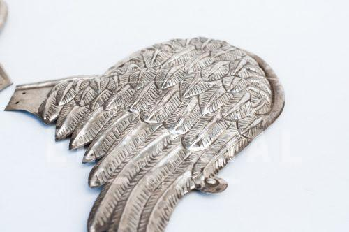 Par de alas de plaqué repujado | 2