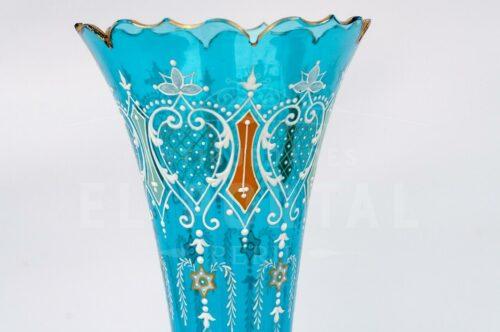 Florero de cristal azul pintado a mano con base de bronce | 7