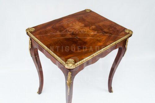Mesa auxiliar estilo Luis XV | 2