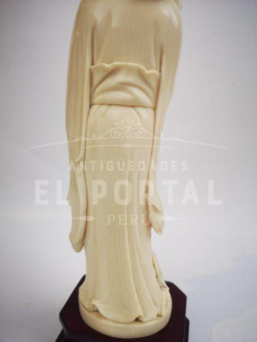 Diosa de marfil tallado | 3