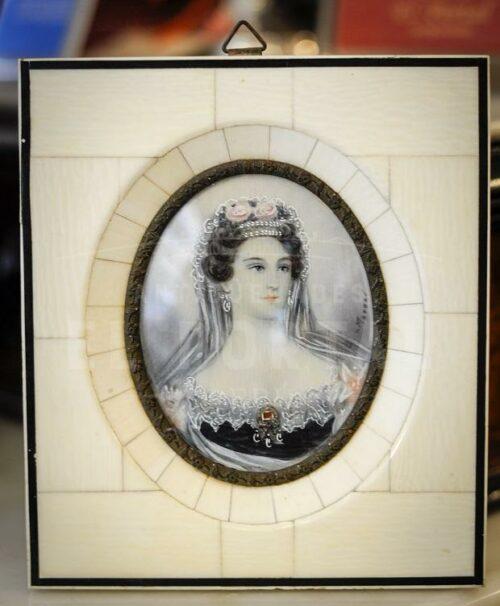 Porta Retrato pintado sobre marfíl | 1