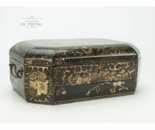 Cofre costurero chino de madera laqueada | 1