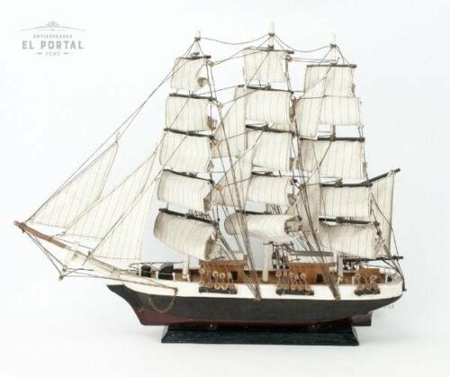 Barco de madera a escala | 1
