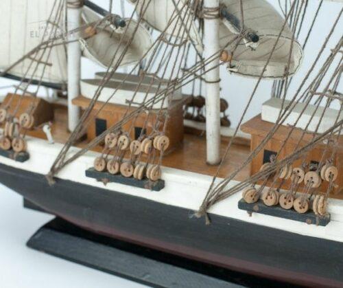 Barco de madera a escala | 3