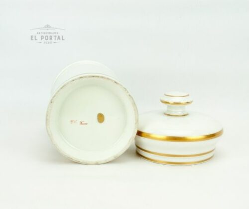 conservera de farmacia de porcelana