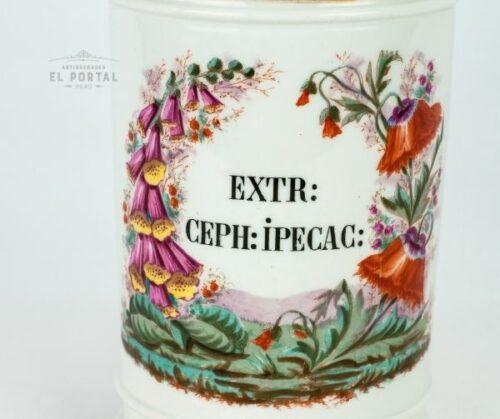 conservera de porcelana de farmacia