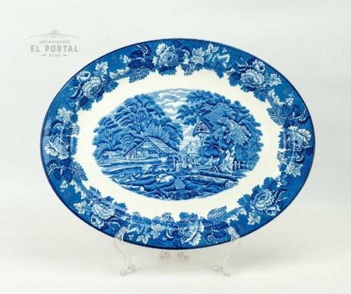 Plato azul y blanco Woods & Sons