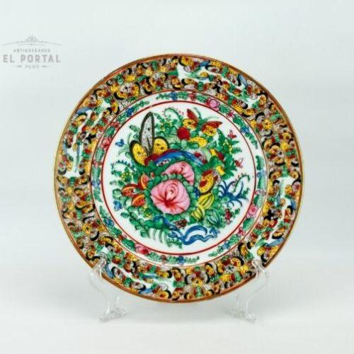 plato de porcelana oriental